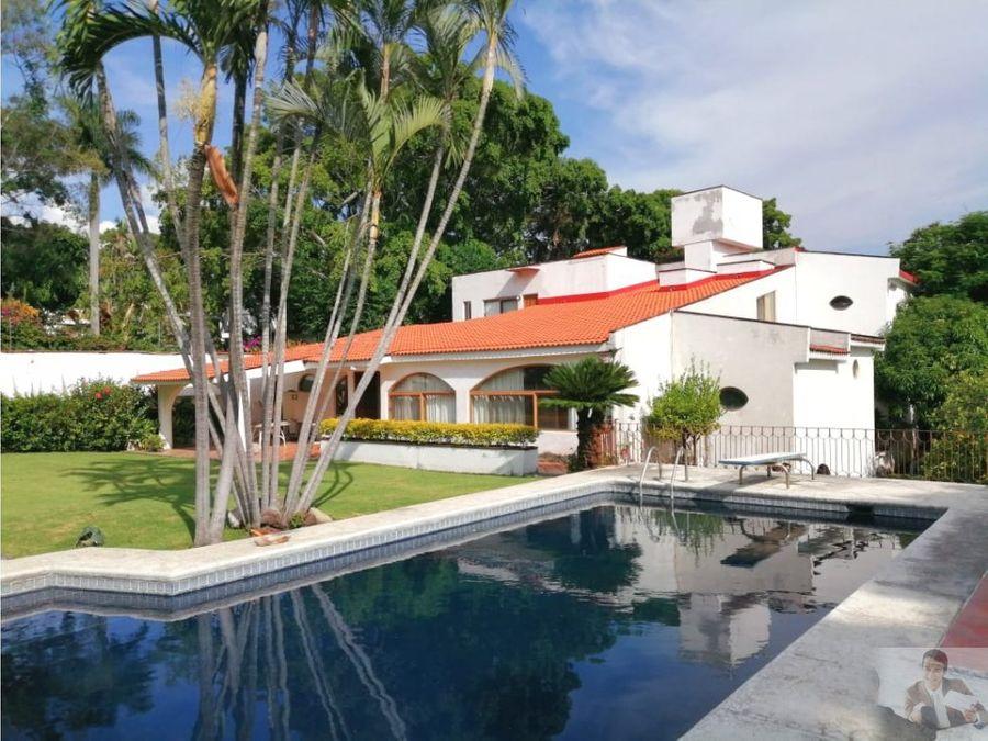 enorme casa tipo hacienda ideal para actualizar