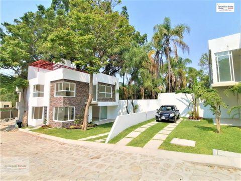 exclusiva casa en privada con roof garden