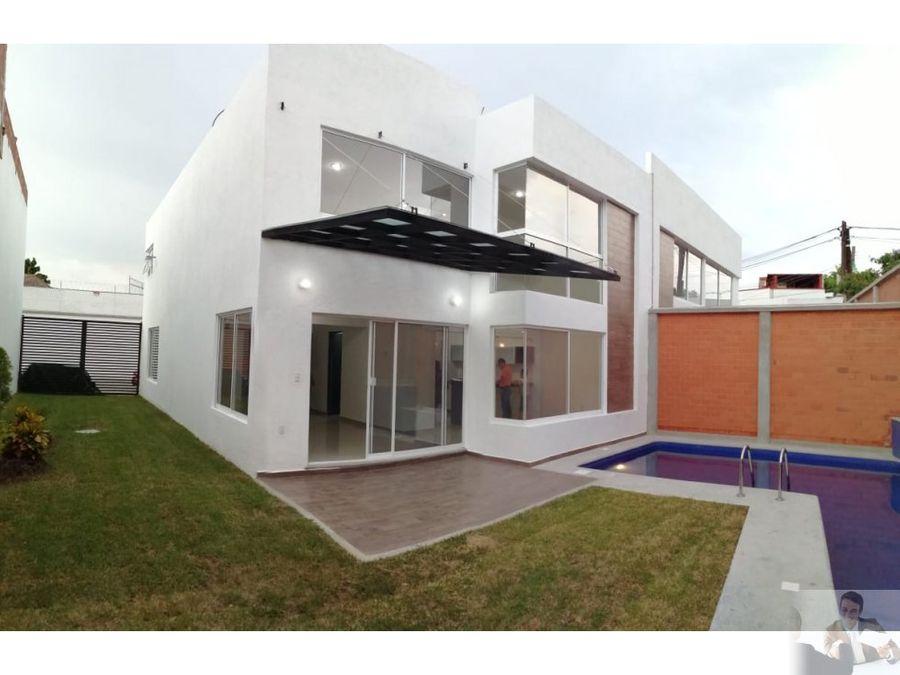 exclusiva casa moderna con alberca en privada