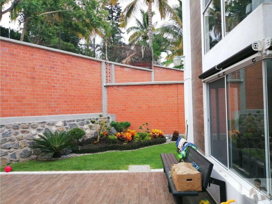 casa en privada con acabados de lujo zona burgos