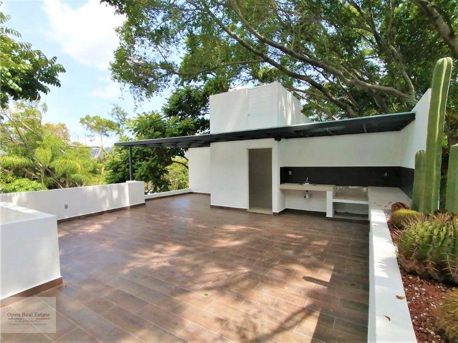 espectacular casa con roof garden en privada de 8 casas