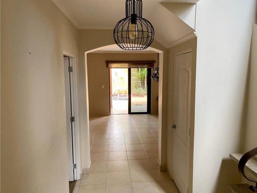 venta de hermosa casa en versalles panama mr