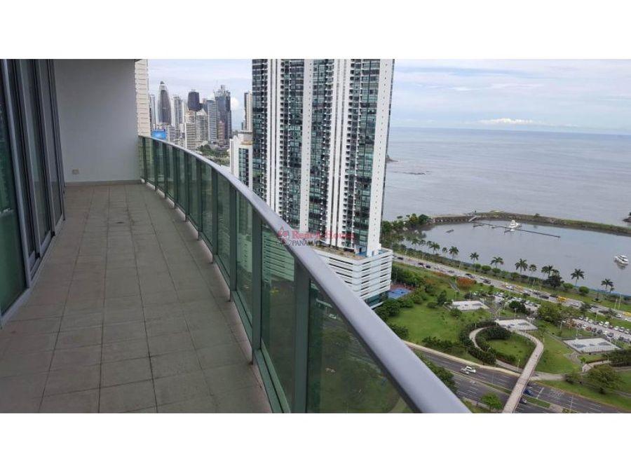 amplio apartamento en venta en bella vista