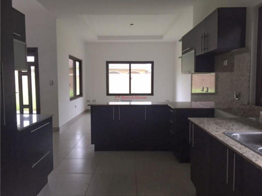 venta de casa en costa sur panama