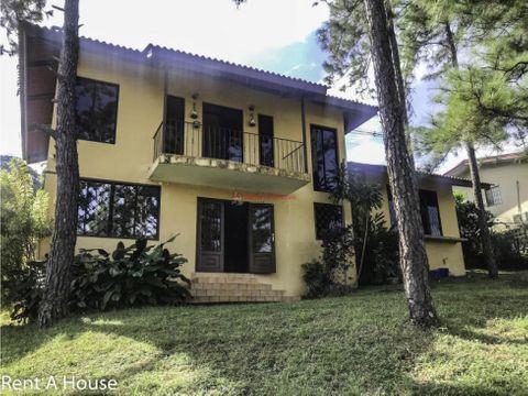 amplia casa en venta en villa zaita