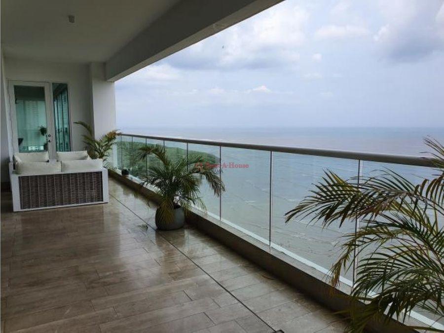 lujoso apartamento en venta en costa del este