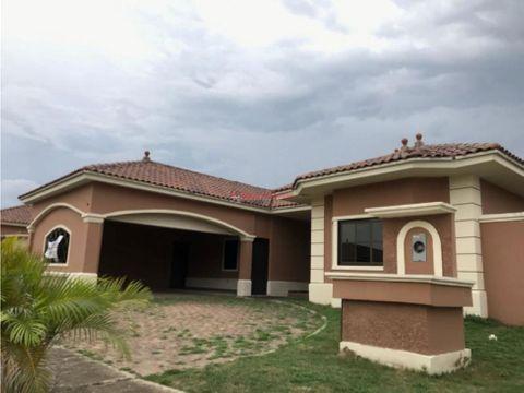 amplia casa en venta en costa sur