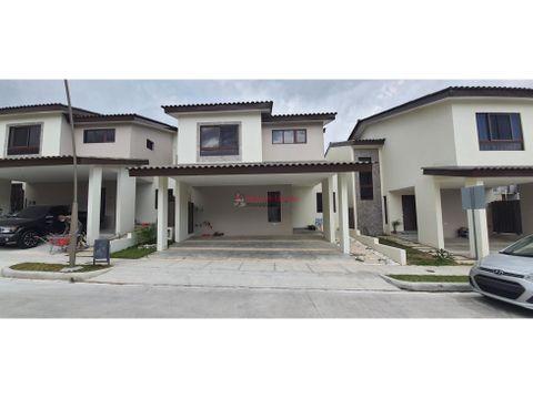 amplia casa en venta en brisas del golfo