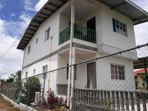 amplia casa en venta en boquete