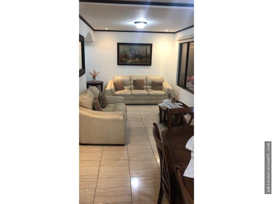 vendo casa e la ribera de belen en condominiov050