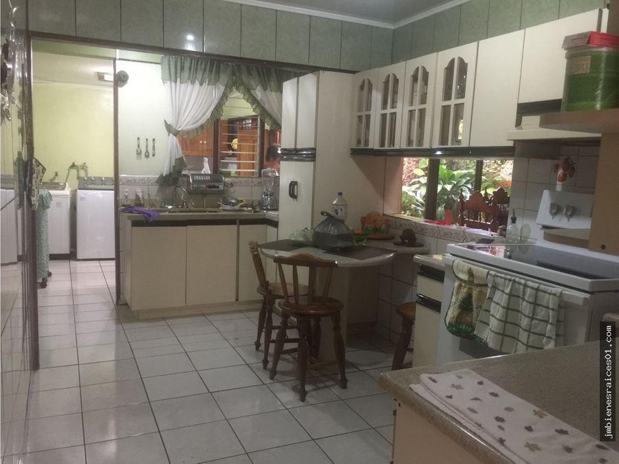v170 se vende casa con uso de suelo mixto en heredia centro