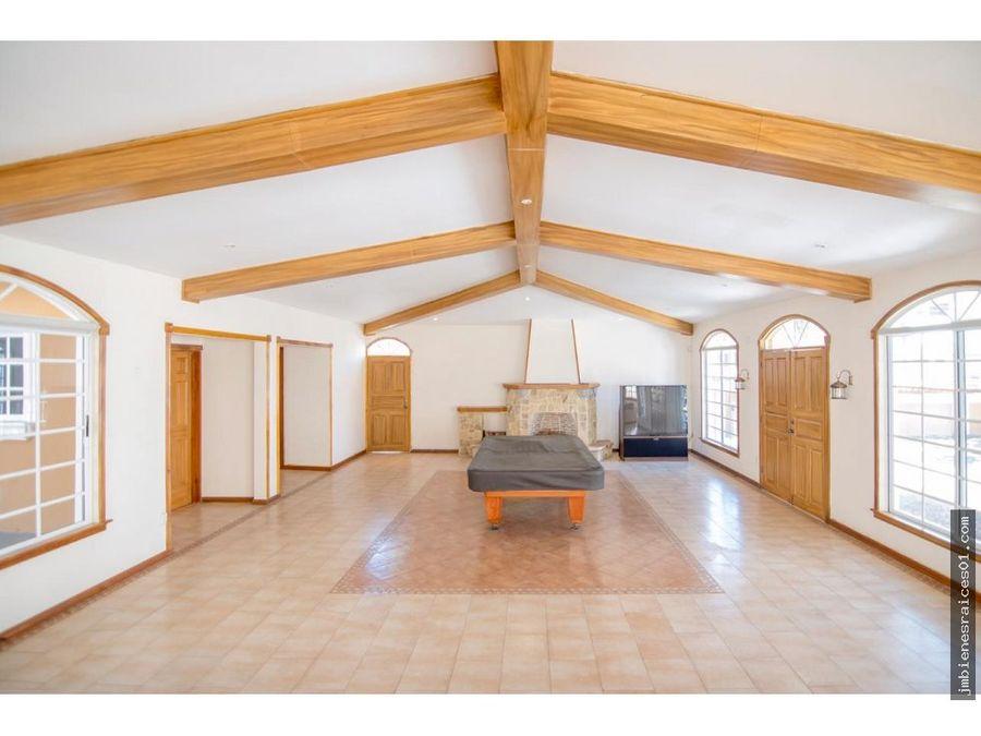 v105 linda casa en pozos de santa ana costa rica