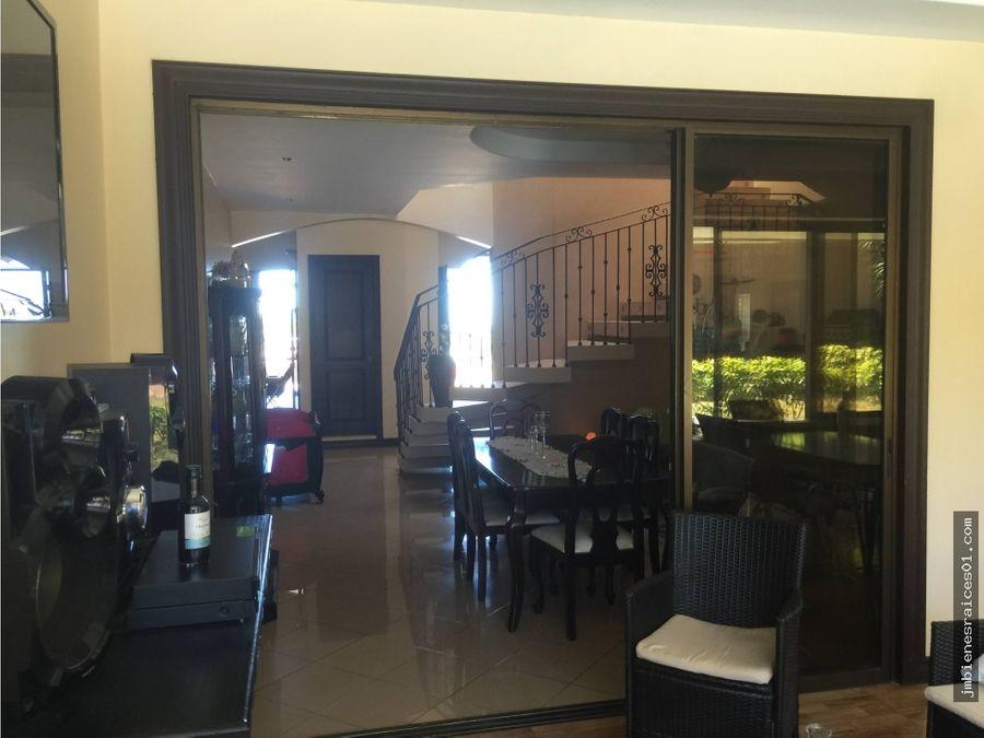 v135 vendo preciosa casa en residencial manantiales de belen