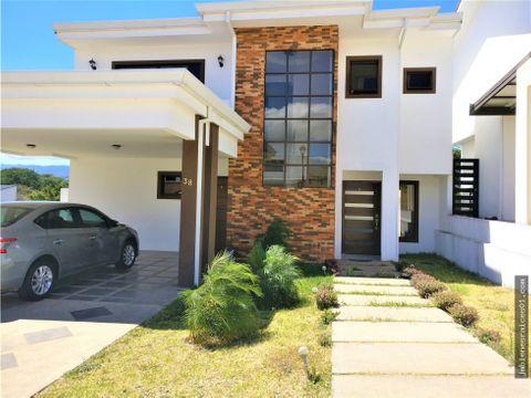 v114 se vende casa en condominio tierras de santiago