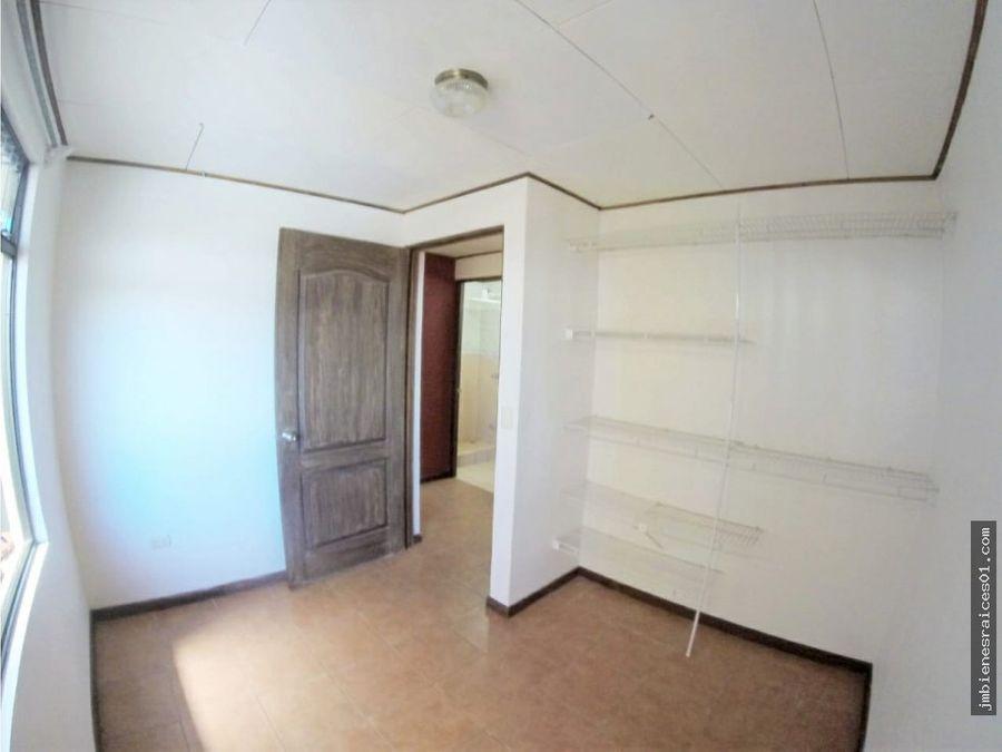 v141 casa de 4 apartamentos en santa barbara heredia
