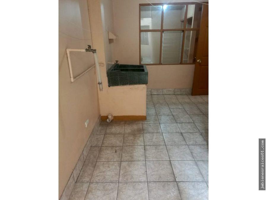 v 115 se vende casa con 4 apartamentos en mercedes norte