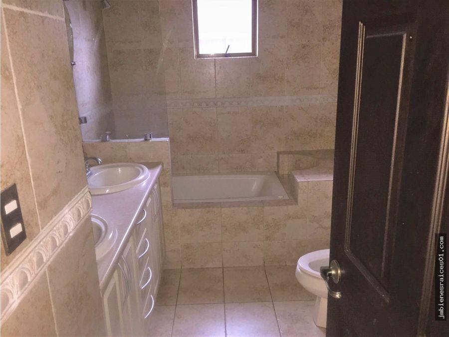 v100 se vende casa en condominio en la ribera de belen