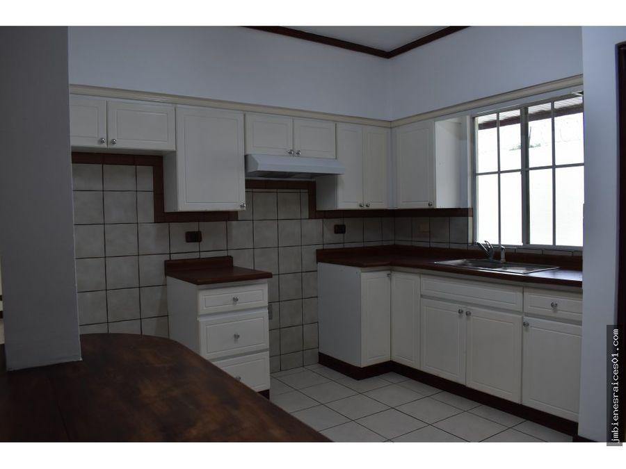 v137 casa en condominio en san antonio de belen