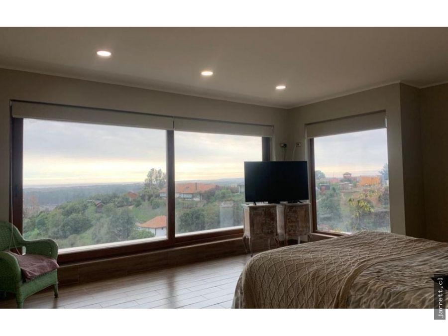 jarrett venta gran casa moderna ubicada en condominio en mantagua