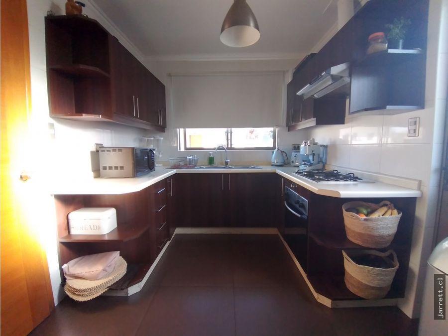 jarrett casa en buen condominio de limache