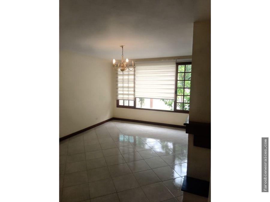 residencia en condominio privilegiado cochabamba