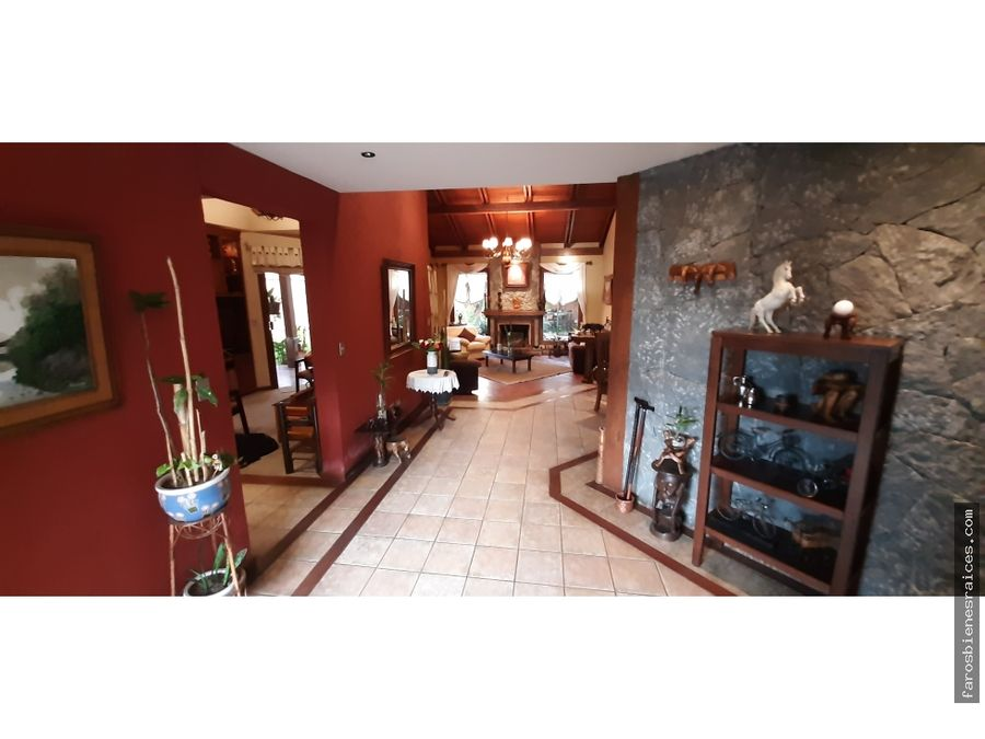 residencia familiar confortable en venta 396000 cochabamba