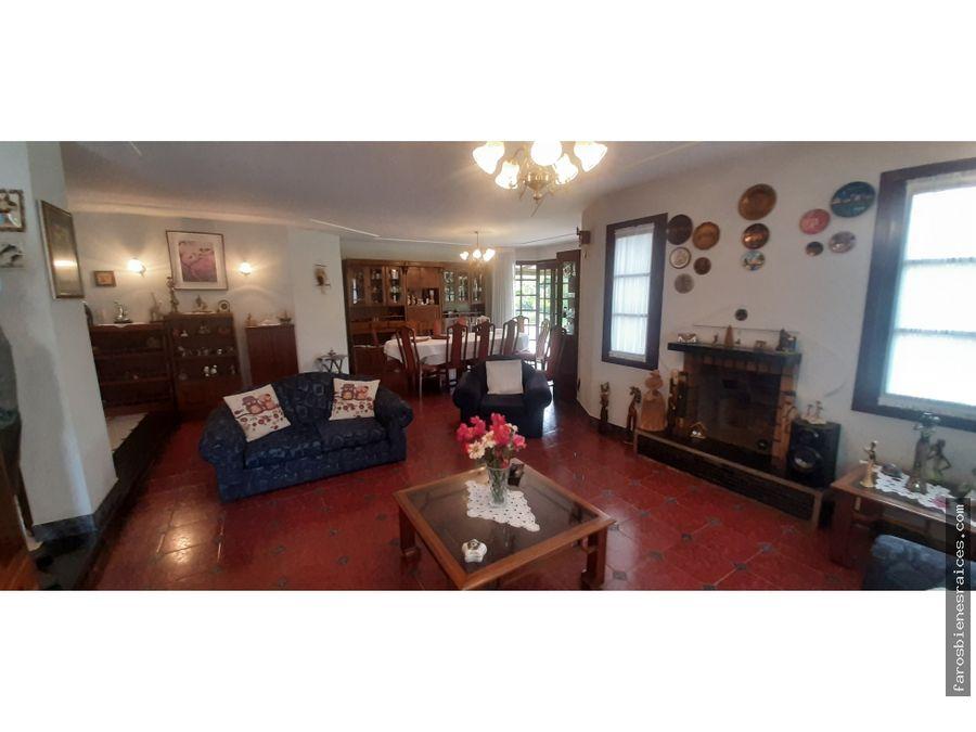 casa colonial con 2775m2 piscina cubierta tiquipaya cochabamba