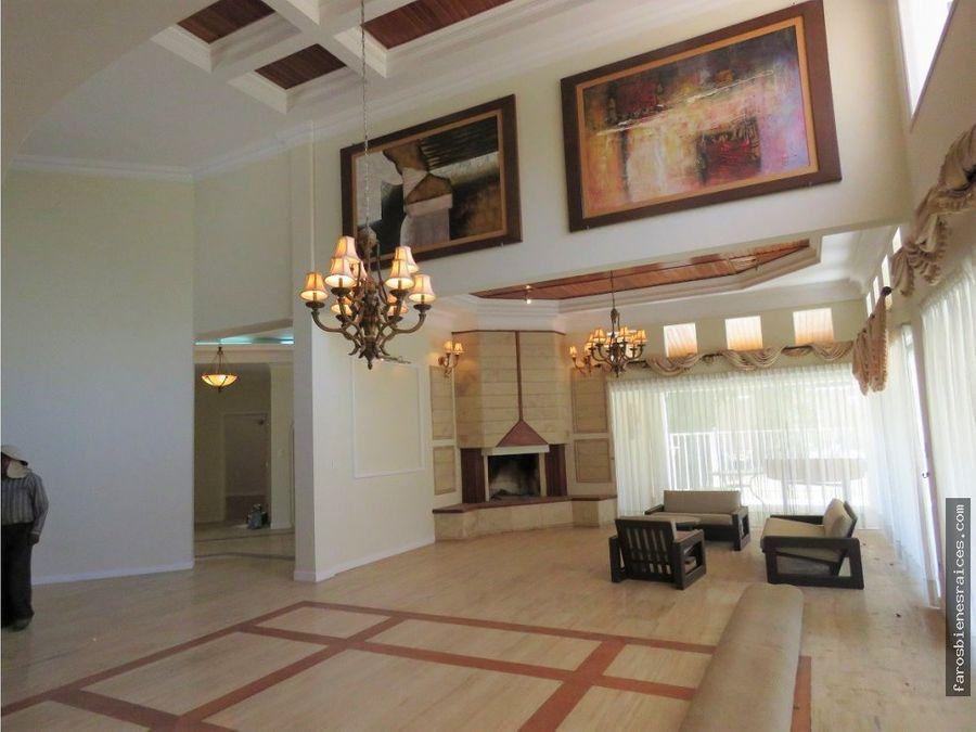 elegante residencia garzonier