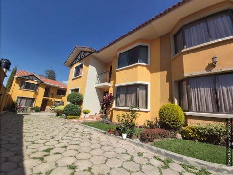 casa con garzonier en condominio linde cochabamba
