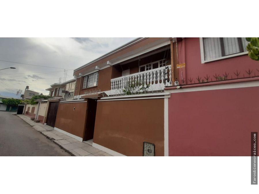 casita amplia prox av 6 de agosto en cochabamba