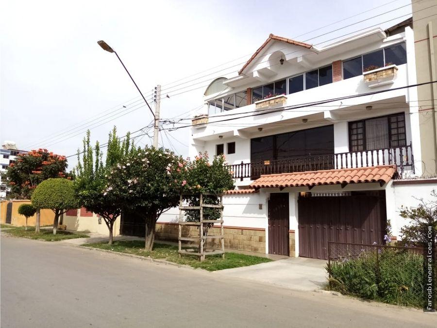 casa grande prox av humboldt dpto aux y terraza venta cochabamba