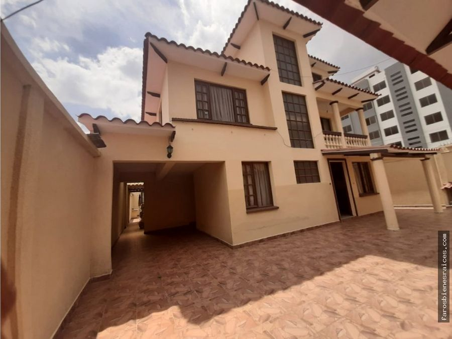 casa grande 9 dormitorios en cochabamba