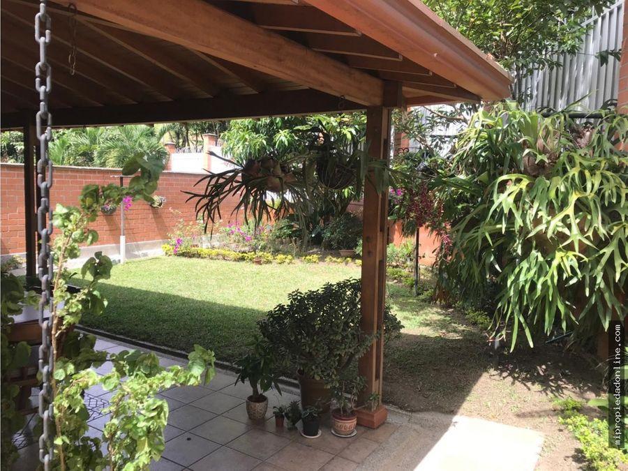 venta casa con jardin en la loma del escobero cerca de city plaza