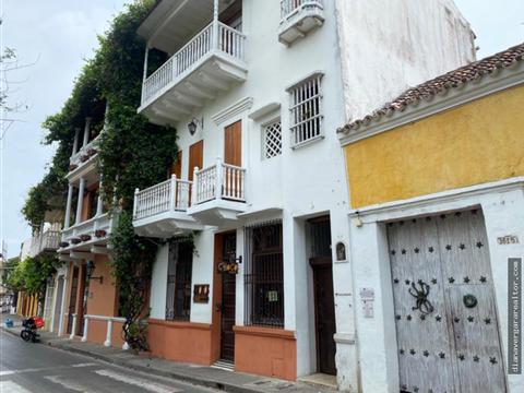 local centro historico plaza fernandez de madrid