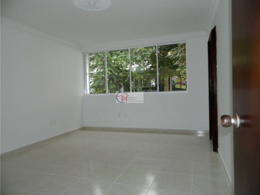 local comercial cabecera