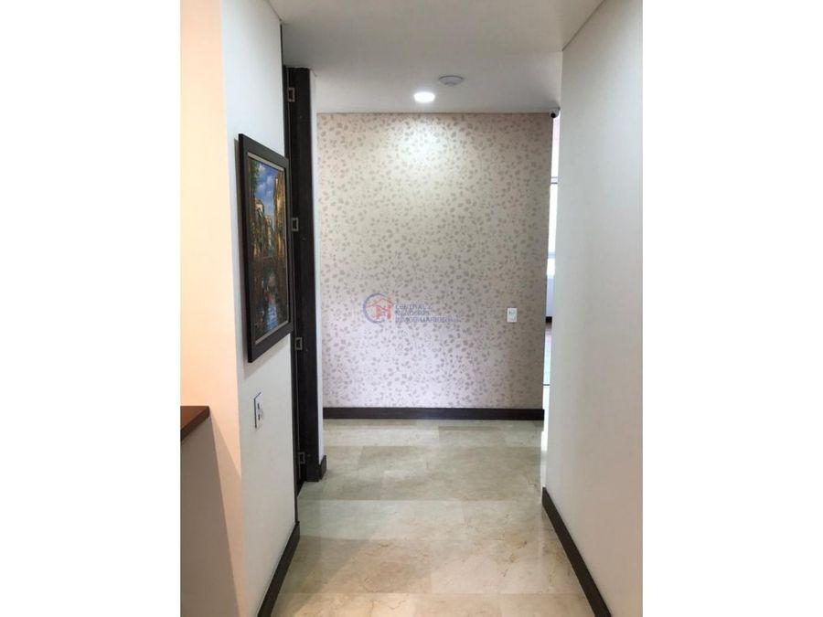 aqua tower piso 21