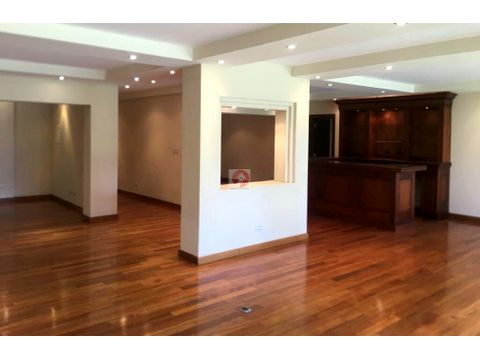 venta y alquiler casa espaciosa en condominio z15