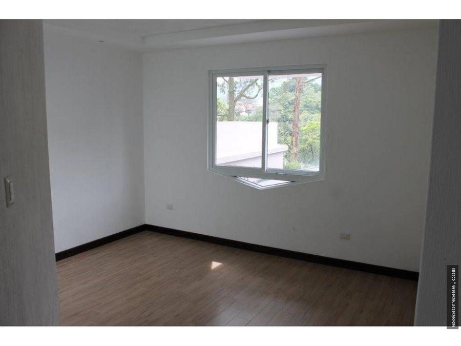 casa a la venta en vh1 zona 15 townhouse