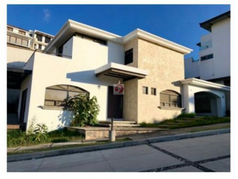 venta de casa en lomas de san isidro zona 16