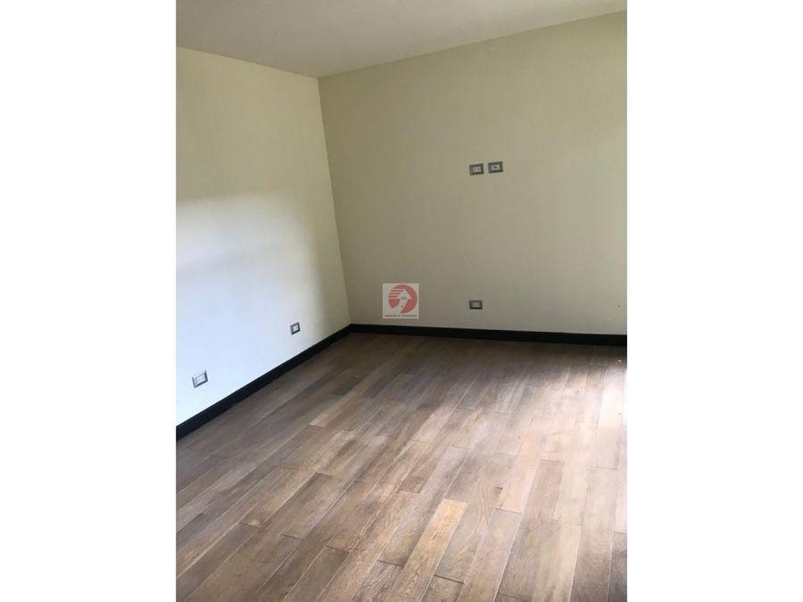 casa de 3 dormitorios sin cuarto de servicio en zona 15