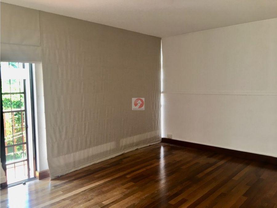 alquiler casa de 3 dormitorios amplio en condominio privado zona 14
