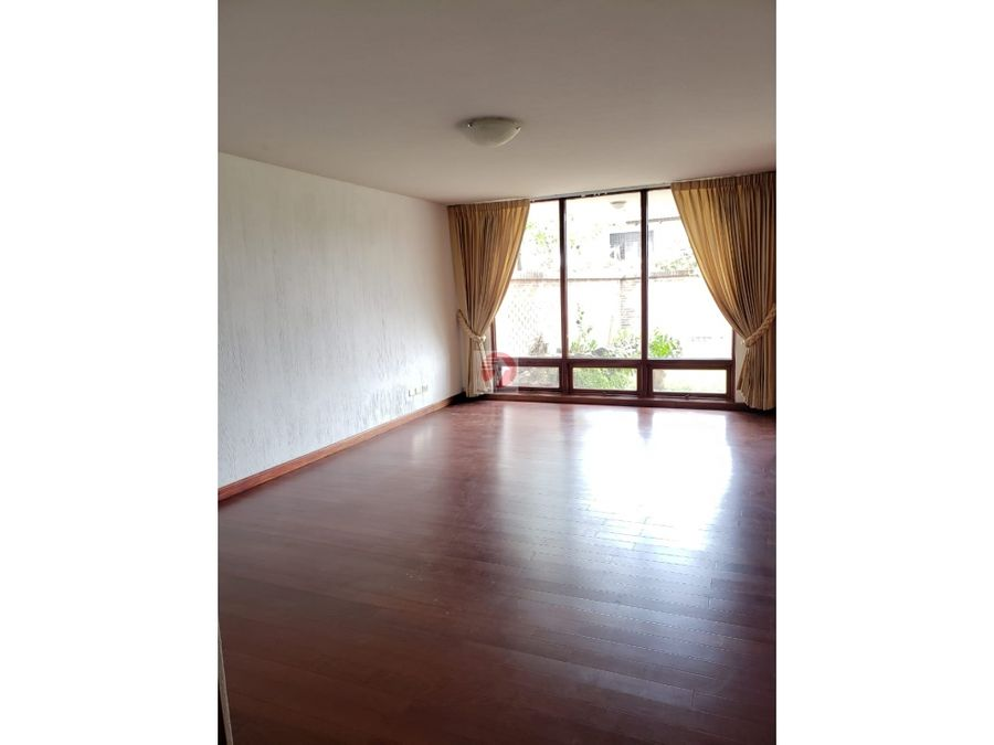 casa espaciosa en alquiler dentro de condominio zona 14