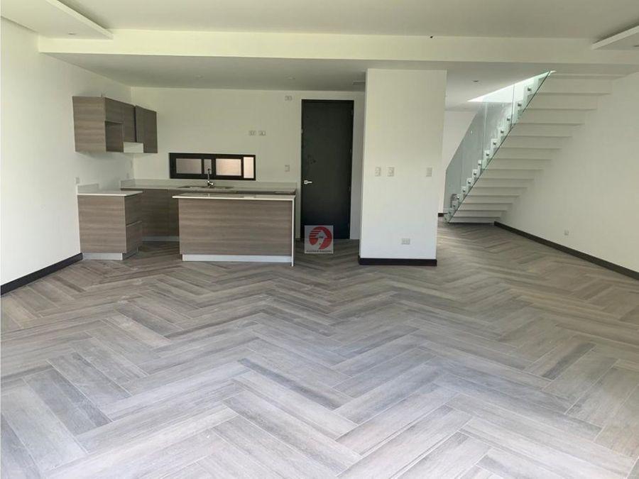 venta de casa en condominio zona 15