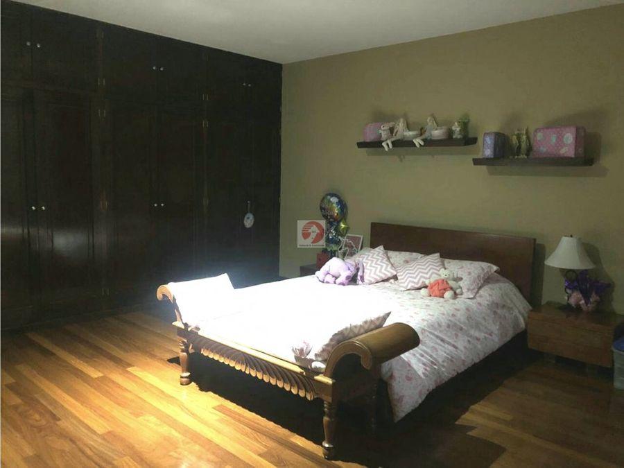 casa 3 dormitorios con espacios amplios en condominio zona 10
