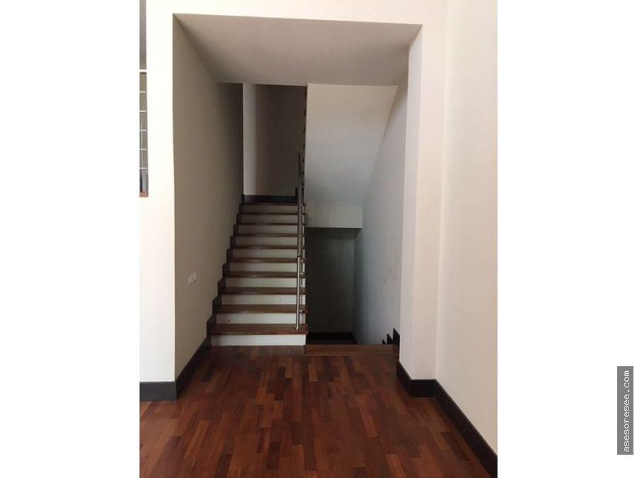 casa moderna de 2 niveles en zona 16 para estrenar