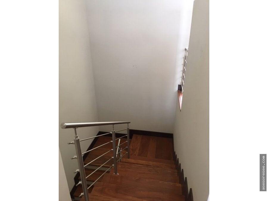 casa moderna a estrenar en venta zona 16