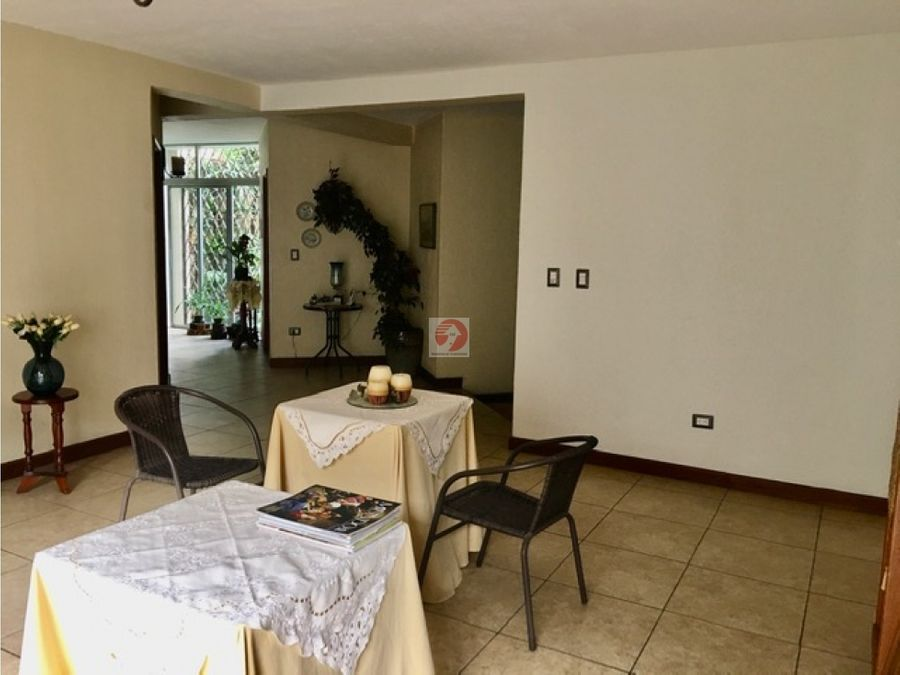 casa espaciosa 3 habitaciones en alquiler zona 10