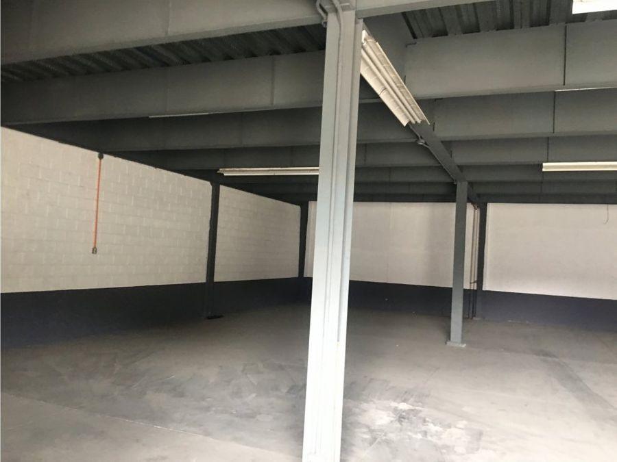 alquiler edificio comercial bodegas en zona 4