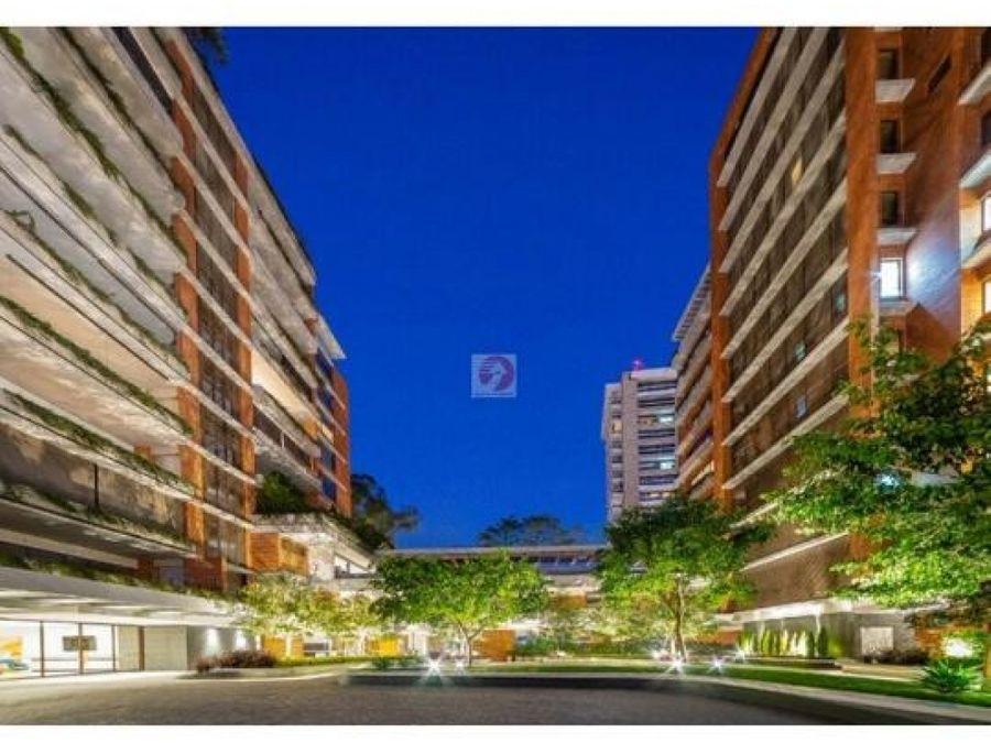 apartamento en renta con preciosa vista zona 14