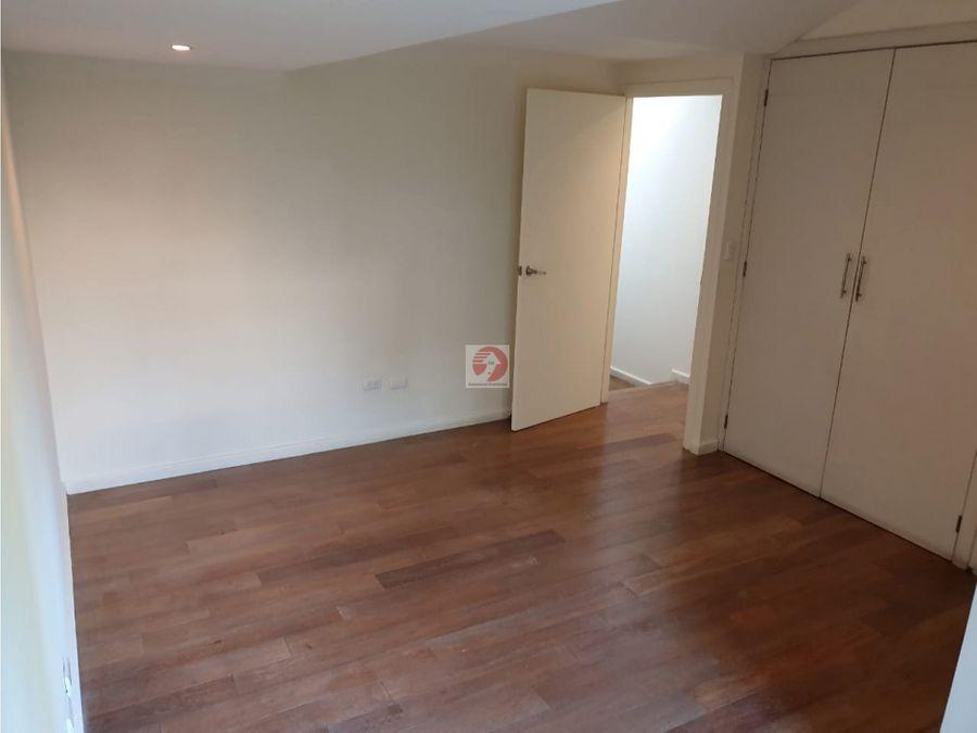 venta de casa de 4 habitaciones en zona 15 venta